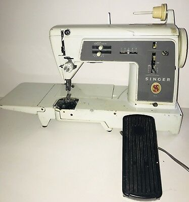 VINTAGE SINGER Sewing Machine 631G 1960s with Metal gears
