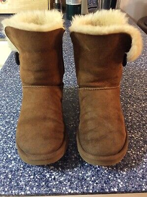76f0446ea29 WOMENS UGG BOOTS Bailey Button Chestnut Size 8