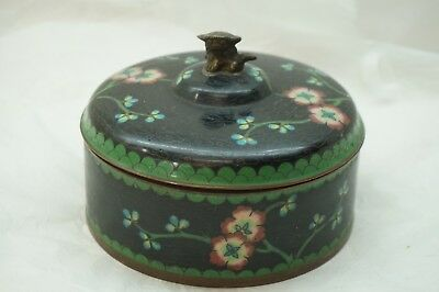 ANTIQUE CHINESE CLOISONNE BOX FOO DOG FINIAL BLACK ENAMEL FLORAL ROUND 5.25in