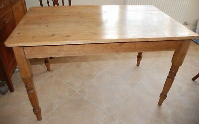 "Antique Pine Farmhouse Table 4ft ""Lovely With Wonderfull Character"" Turned Legs."