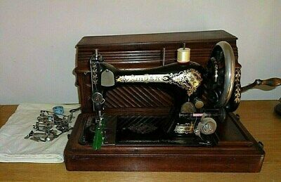 Vintage 1902 28k Singer Sewing Machine Hand Cranked/Good Condition Inc Case