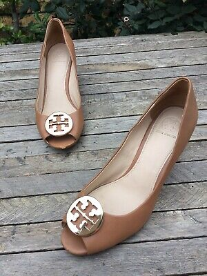 7897df1310c1 TORY BURCH KARA Wedge Open Toe Pump Royal Tan Leather Women Size 8M ...