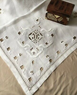 """Vintage Antique Irish Hand Embroidered Work Linen Fine Lace Tablecloth 34 X 35"""""""