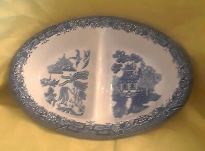 Churchill Porcelain Blue Willow Oval Divided Serving Bowl Engand Excellent EUC