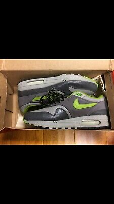 c2cb96065f1 2004 Nike Air Max 1 HUF Anthracite Dark Apple-Med Grey Size 9.5 302740