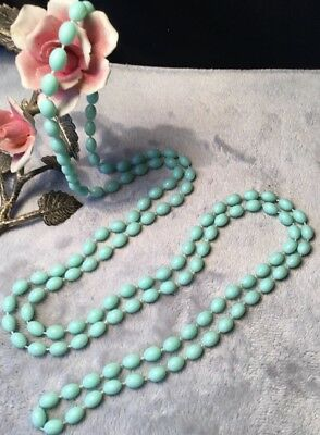 Timeless Vintage Retro Kitsch 60s Pastel mint green pea Bead long Necklace