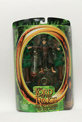 LORD OF THE RINGS Frodo with sword attack action