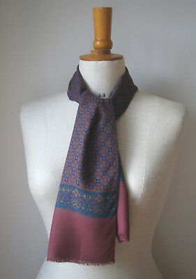 VINTAGE 1960s BURGUNDY & NAVY BLUE PAISLEY MENS RAYON SCARF GOODWOOD