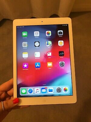 Apple iPad Air 32GB, Wi-Fi, 9.7inch, Silver, Used, Excellent Condition,