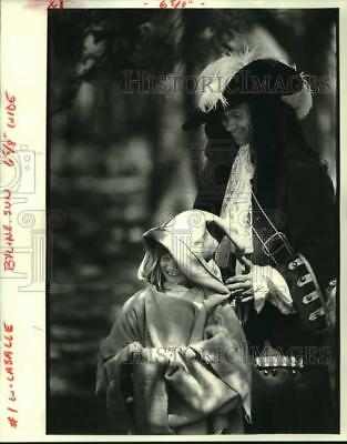 1984 Press Photo Little Camper Is All Smiles As She Trys Pirate Garb, City Park