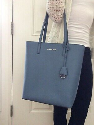 8bd3dfbad472 MICHAEL KORS HAYLEY Large Coated Canvas Tote Acorn 30S7GH3T7B-541 ...