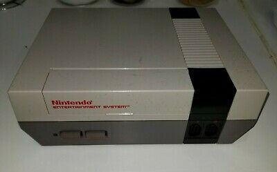 NES Nintendo System Console 1985. With 6 games Zelda, Marble madness and others.