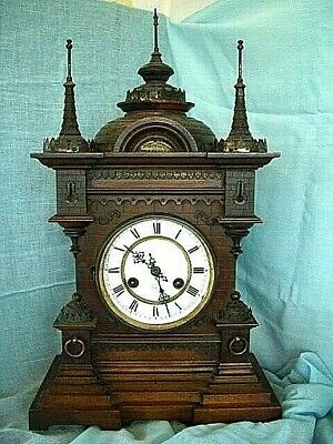 GERMAN Dome topped oak mantel/bracket antique clock by Junghans. 1890-1900