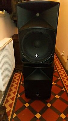 Mackie thump 12  pair 2000 watts working and tested very load and compact clean