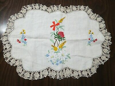 Large vintage hand embroidered doily – Crochet edging – Australiana –Wildflowers