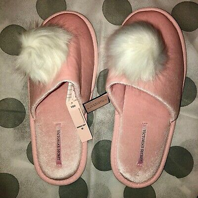 ea9deb4d26 NWT VICTORIAS SECRET POM POM SLIPPERS PInk With white Size Med (7 8)