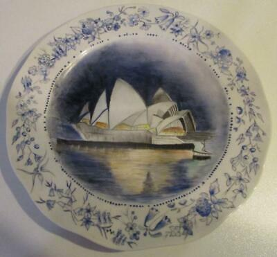 Sydney OPERA HOUSE Display Plate Beautifully Hand Painted by Rita Entz 1980