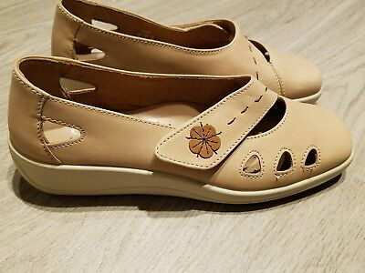 c20d4b39 Hotter Comfort Concept Womens Shoes Size 7 Bliss Tan/Beige Leather Slip On