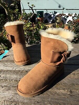 046e2cf2157 $190 UGG AUSTRALIA Daelynn Leather Bow Chestnut Suede Boots Wmn 8US Stains !