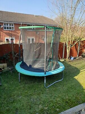 Trampoline 8ft with enclosure