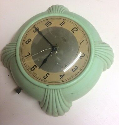 Vintage Green Metamec Dereham Art Deco Bakelite Electric Wall Clock