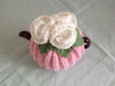 HAND KNITTED TEA COSY - Vintage Style, Retro Roses (med)