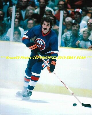CLARK GILLIES Flying UP ICE with PUCK 8x10 Photo NEW YORK ISLANDERS HOF  GREAT ea2e06322780