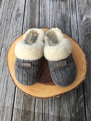 ebf3ad541c97 UGG Australia Gray Knit Slids Shoes Slippers Gray Cable Size 6 Style 1865