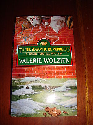 Valerie WOLZIEN - 'TIS THE SEASON TO BE MURDERED
