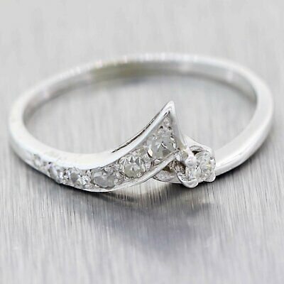 1930's Antique Art Deco 14K White Gold .10ctw Diamond Band Ring 6.75
