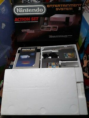 Nintendo Entertainment System Action Set Console NES Complete in Box.W/Games