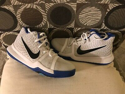 36707e4d35a2 YOUTH BOYS NIKE shoes size 2.5 blue and white -  18.00