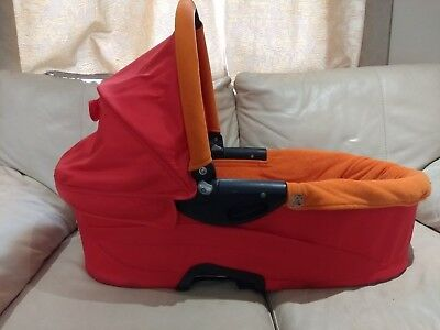 quinny buzz carrycot, red, in excellent condition