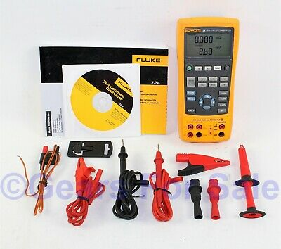 Fluke 724 Temperature Calibrator Excellent Condition with test leads soft case
