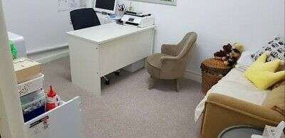 Rent Cheap Shop / Office private lease reception furn desk filing cabinet chair