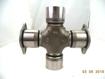 Meritor Genuine RN Series Universal Joint R675X