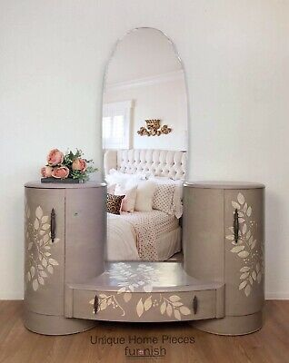 1930,s Art Deco Dressing Table With Raised Leaf Design