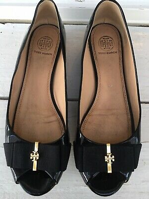 8ca415bed018 TORY BURCH TRUDY Patent Bow Wedge Pump Patent Black Size 8 -  179.99 ...
