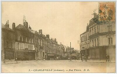 08 CHARLEVILLE MEZIERES. Rue Thiers vers 1920. Magasin Confections(396)