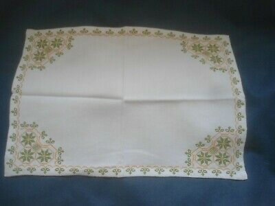 """A Gorgeous Cream Lefkra Embroidered Table Centre 17"""" X 12"""""""