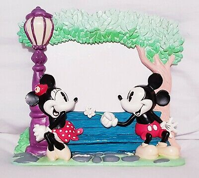 Classic Vintage Minnie And Mickey Mouse Love Park Scene Disney Photo Frame
