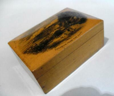 Antique wooden Mauchlineware box with Shanklin from the Cliff transfer 12055
