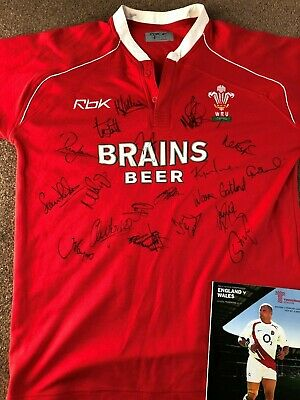 Wales Rugby team 2008 replica shirt Hand signed England v Wales Feb 2008
