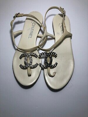 25b4fc21250 CHANEL THONG T Sandals Leather