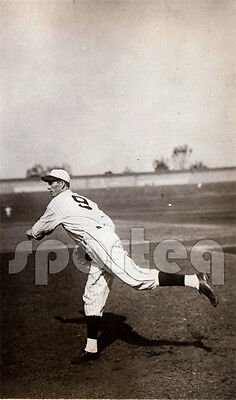SPLENDID! 1931 Tour of Japan Showing Hurler LEFTY GROVE Vintage Original Photo