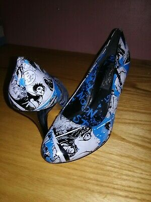 b0d8b04fc87a Iron Fist Comic Print Women's High Heel Shoes Size 8 Blue Vintage & Rare
