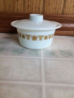 Pyrex Butterfly Butterscotch ROUND Dish w/White Plastic Lid Oven Microwave Safe