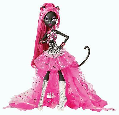 Monster High Catty Noir Friday The 13Th Doll NEW