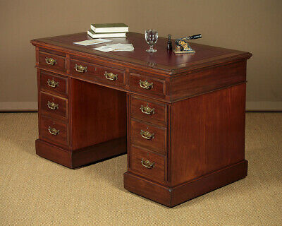 Antique Edwardian Mahogany Pedestal Desk c.1905.
