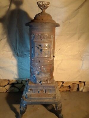 Antique Cast Iron Wood Burning Parlor Stove, Southard and Robertson Co 1892